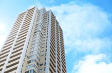 年収1000万ないと都内新築マンションは買えない?