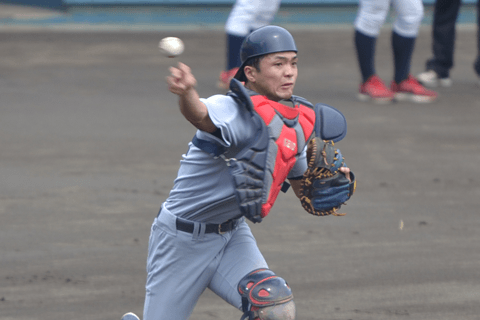 慶應義塾大の打てる捕手・郡司裕也は7打点で有終の美。明治神宮大会で光った大学生ドラフト指名選手